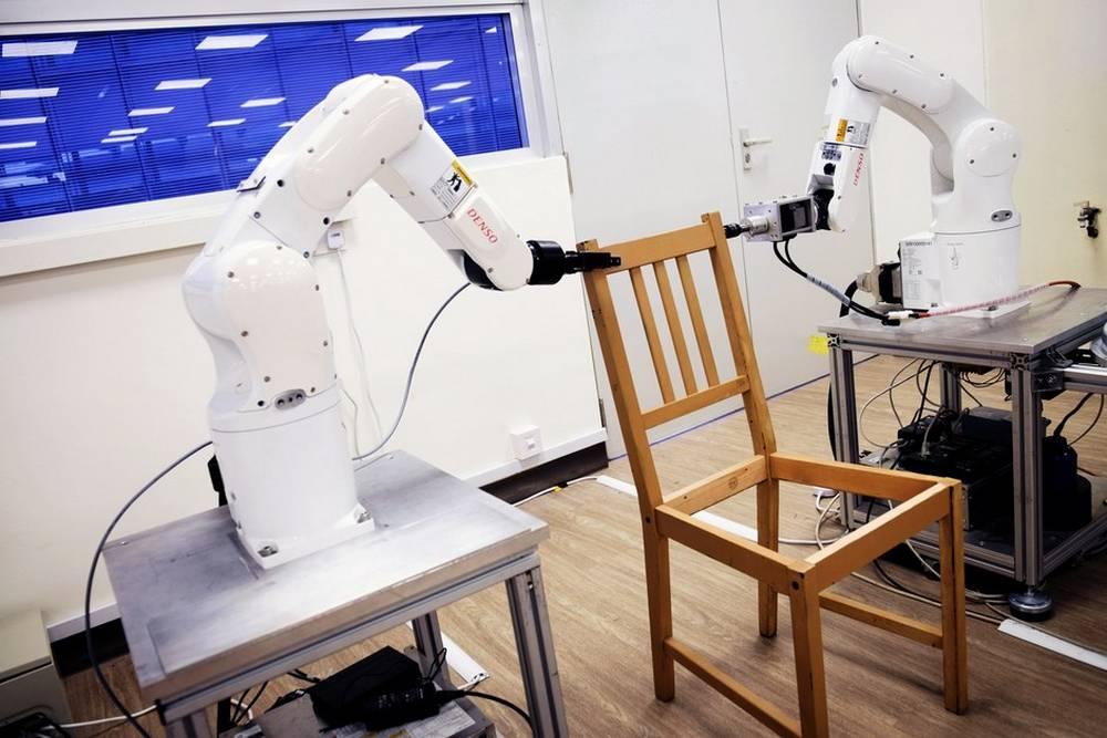 Two Robots assemble an Ikea Chair