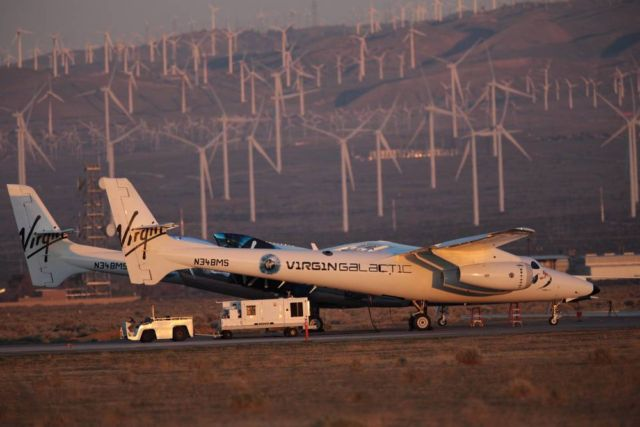 Virgin Galactic spaceplane completes rocket-powered flight (2)