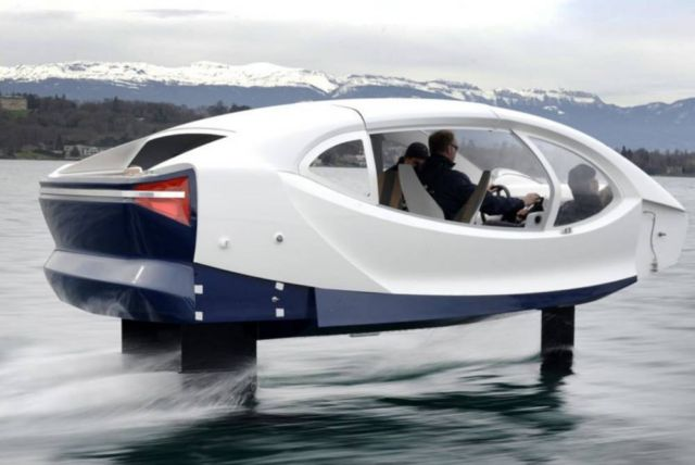 Electric SeaBubbles testing its control system
