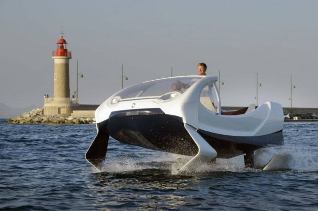 Electric SeaBubbles testing its control system (2)