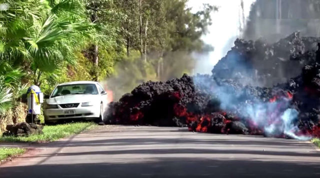 Lava from Kilauea volcano swallows a car - video