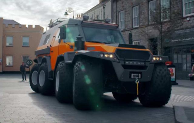 The huge Avtoros Shaman 8x8