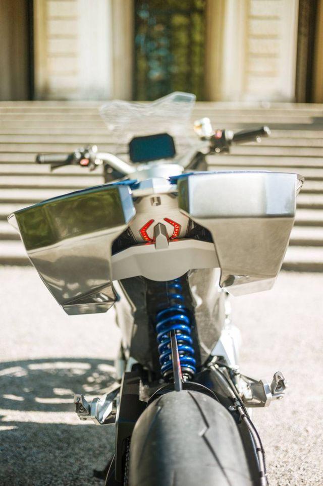 BMW Motorrad 9cento Concept Motorbike (2)