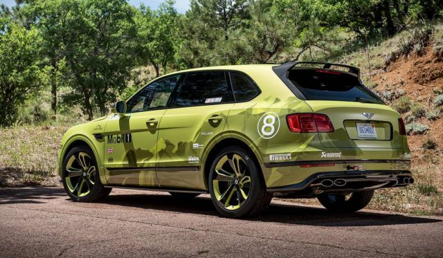Bentley Bentayga breaks SUV Record at Pikes Peak Hill (3)