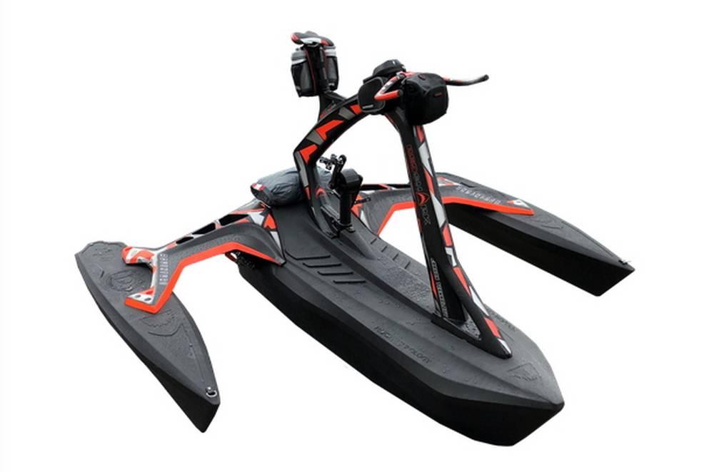 Red Shark pedal-powered trimaran (4)