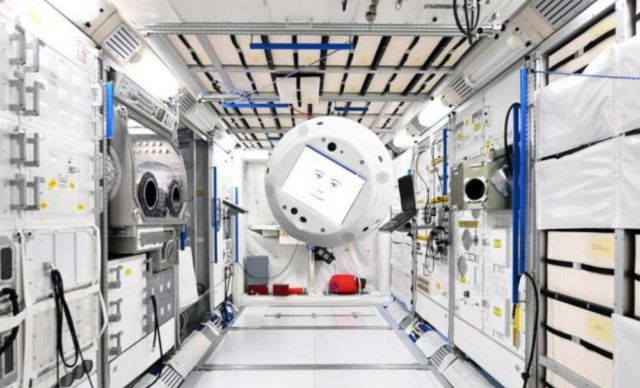 Cimon – a new 'Cyber Colleague' on the ISS