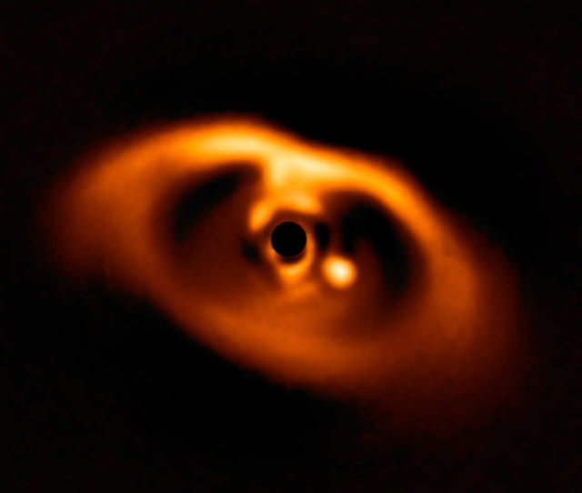 First-Ever Direct Picture of a Planet Being Born