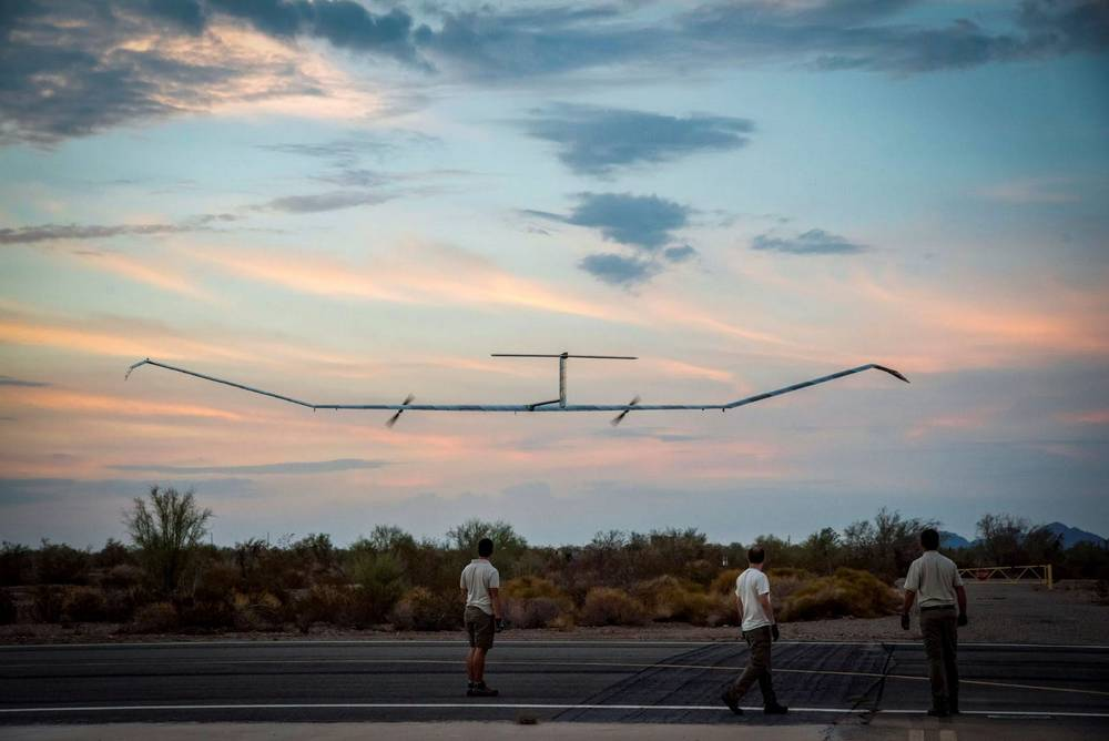 Airbus' solar-powered Zephyr smashes flight duration record (4)