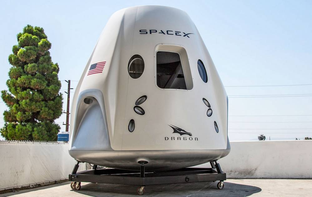 Inside the SpaceX's Crew Dragon Spacecraft (6)