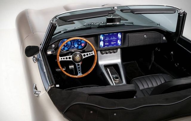 Jaguar will build All-Electric E-Types (4)