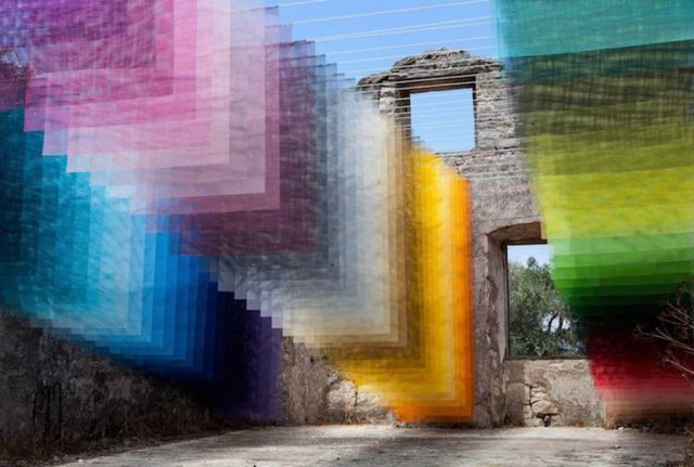 Suspended Layers of 'Pixels' in Ancient Greek Ruins