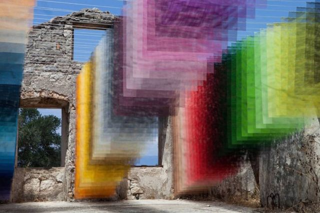 Suspended Layers of 'Pixels' in Ancient Greek Ruins (4)