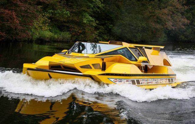 The Amphibious HydroCar