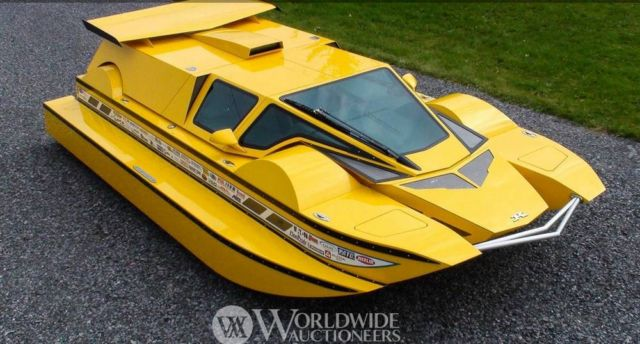 The Amphibious HydroCar (2)