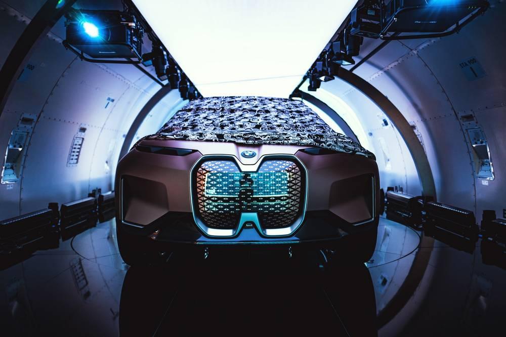 BMW Vision iNext concept | wordlessTech