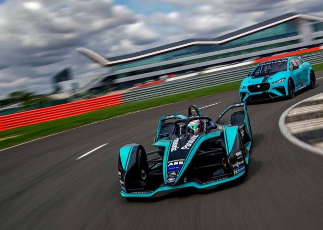 Jaguar I-TYPE 3 next-gen Formula E race car (3)