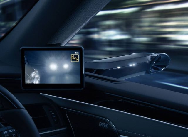 Lexus ES is the first production car with Digital Side Mirrors (3)