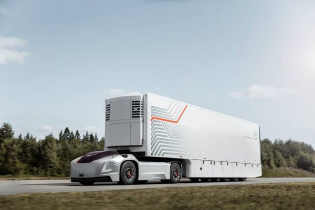 Volvo Self-Driving Electric Truck (2)