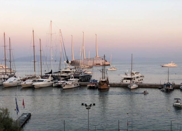 White Pearl luxury Sailing yacht in Corfu (4)