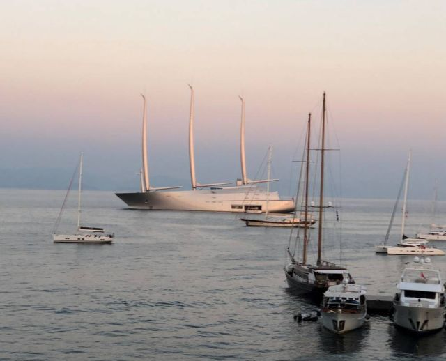 White Pearl luxury Sailing yacht in Corfu