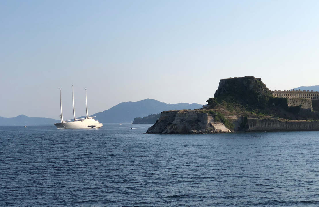 White Pearl luxury Sailing yacht in Corfu (1)