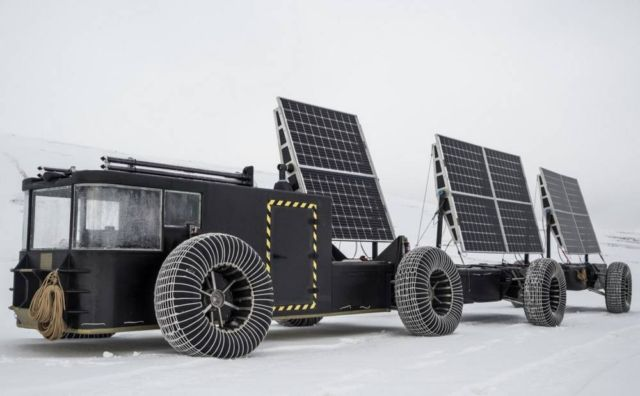 Solar-Powered vehicle to the South Pole (4)