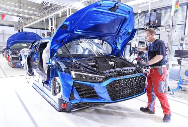 Extensive update for Audi R8 (3)