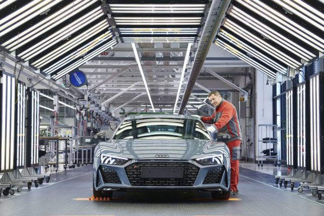 Extensive update for Audi R8 (2)