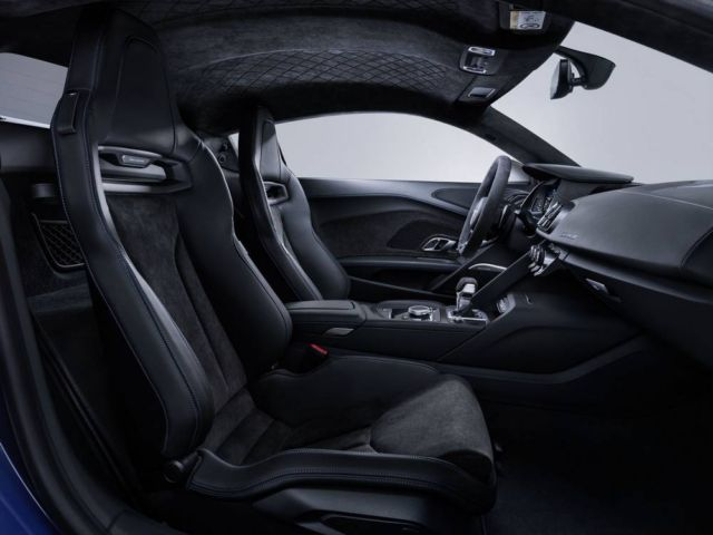 Extensive update for Audi R8 (9)