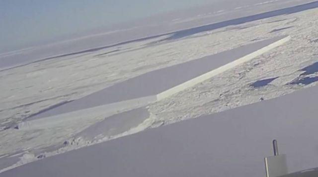 NASA releases new Pics of the baffling Rectangular Iceberg (3)