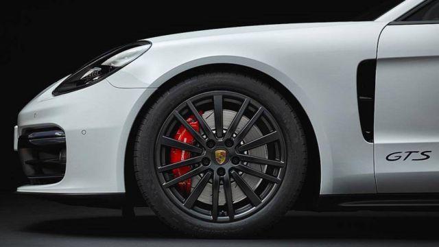 New Porsche Panamera GTS (2)
