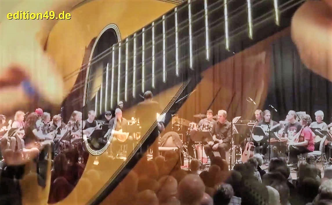 Pink Floyd Mandolin Orchestra – Shine On You Crazy Diamond