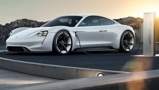 Porsche enters the electric era with the Taycan (3)