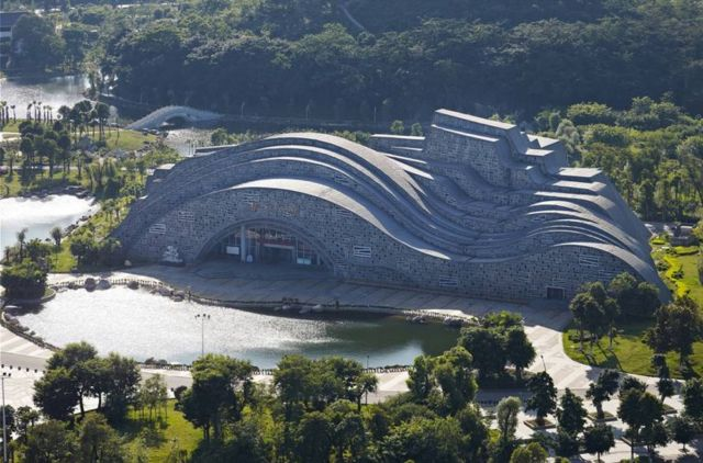 Sculptural Hall in China (6)