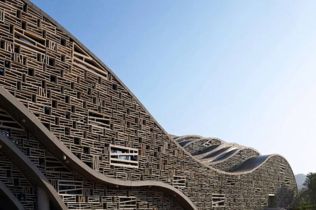 Sculptural Hall in China (2)