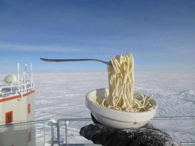 Trying to Eat outside in Antarctica at -70ºC