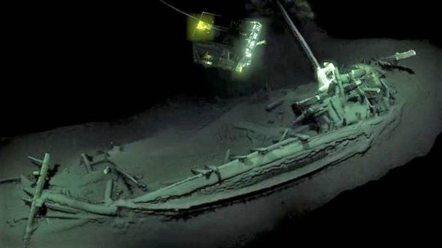 World's Oldest Shipwreck Discovered Intact
