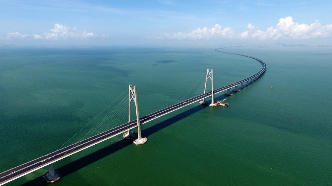 World's longest sea Bridge opens in China