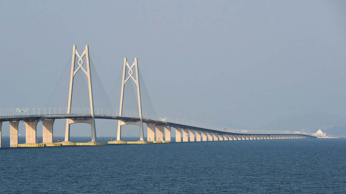 World's longest sea Bridge opens in China