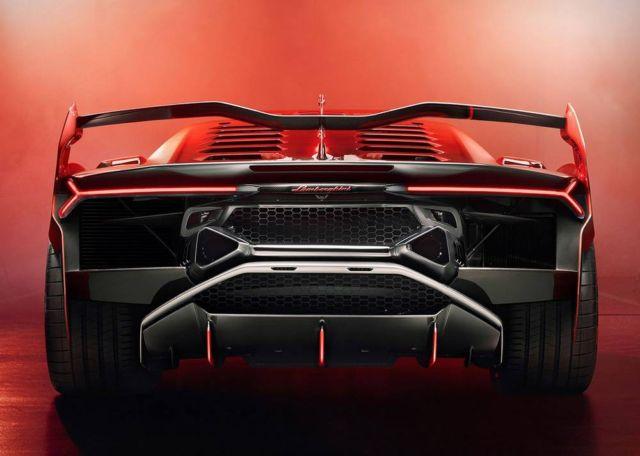 Lamborghini Squadra Corse SC18 Alston supercar (2)