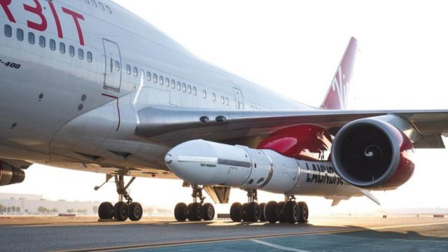 Virgin Orbit's LauncherOne meets Cosmic Girl 747