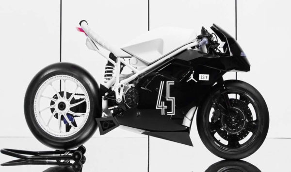 The BSTN Ducati 916 'Concord' (1)