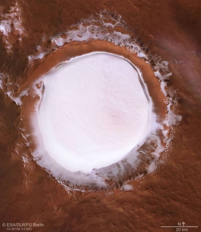 The snowy crater on Mars