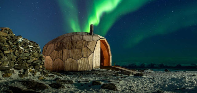 A Timber Hiking Cabin for the Arctic Circle (1)