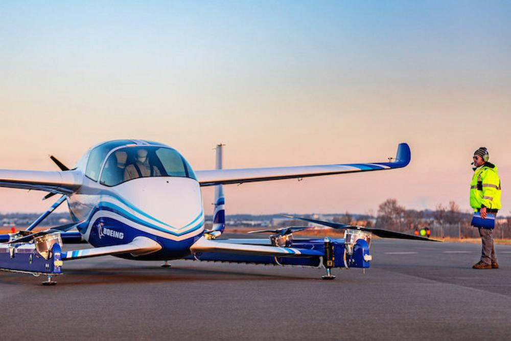 Boeing Autonomous Air Vehicle completes First Flight