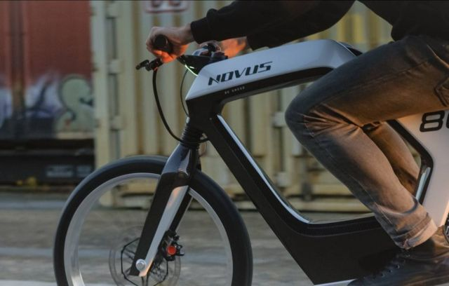 Novus stylish electric motorbike (3)