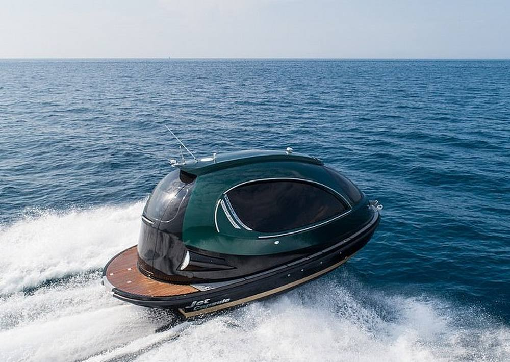 Jet Capsule Royal Version 001 Motorboat