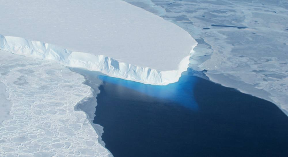 NASA finds huge Cavity in Antarctic Glacier