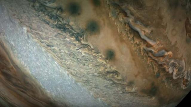 Passing Jupiter - Perijove 16