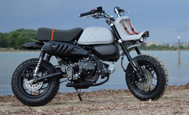 Viba Jane Honda Monkey Motorbike